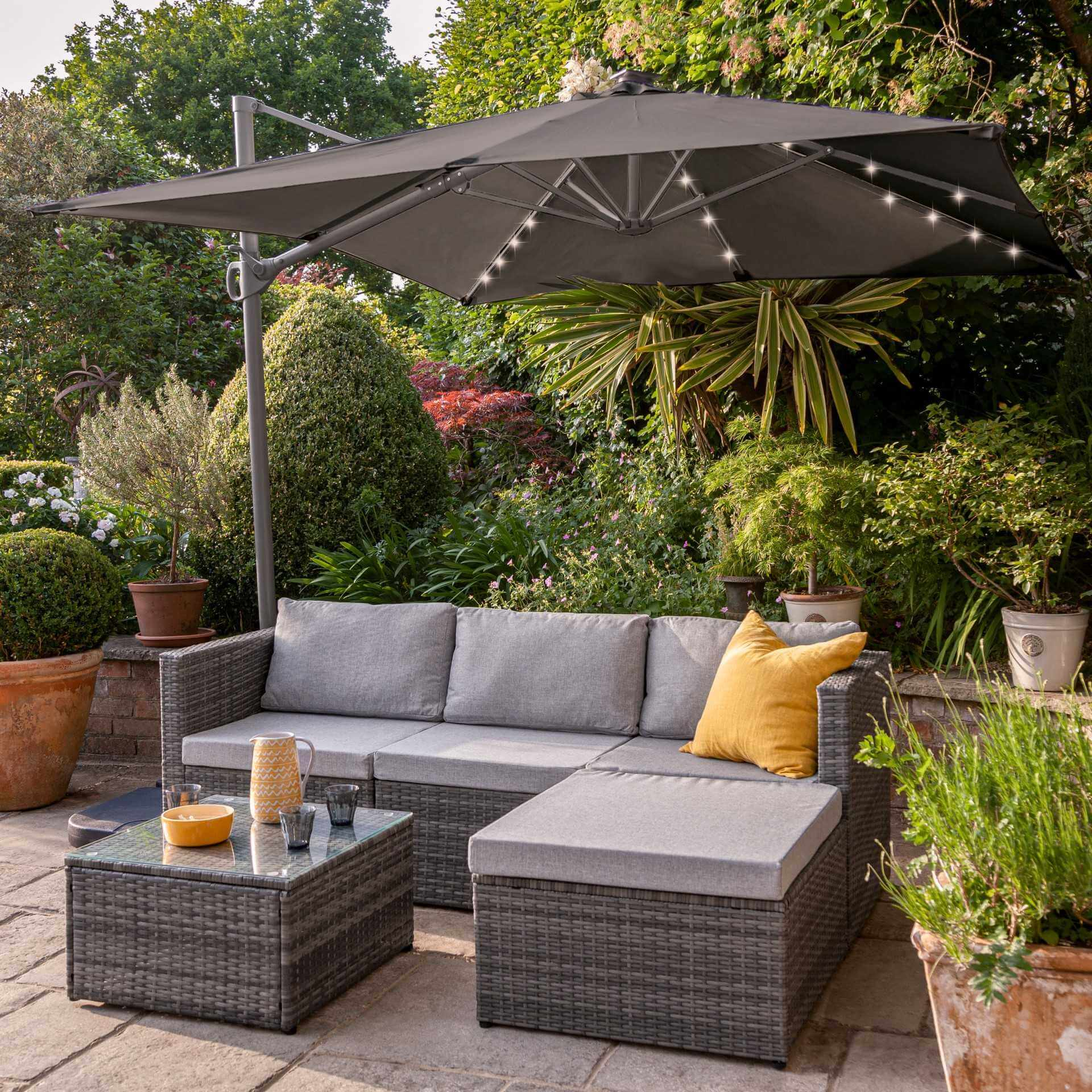 4 Seater Rattan Corner Sofa Set with LED Cantilever Parasol and Base - Grey Weave