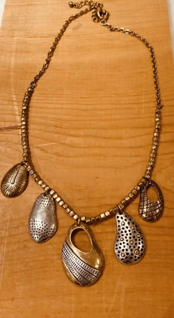 Jewerly /Tri color metal necklace