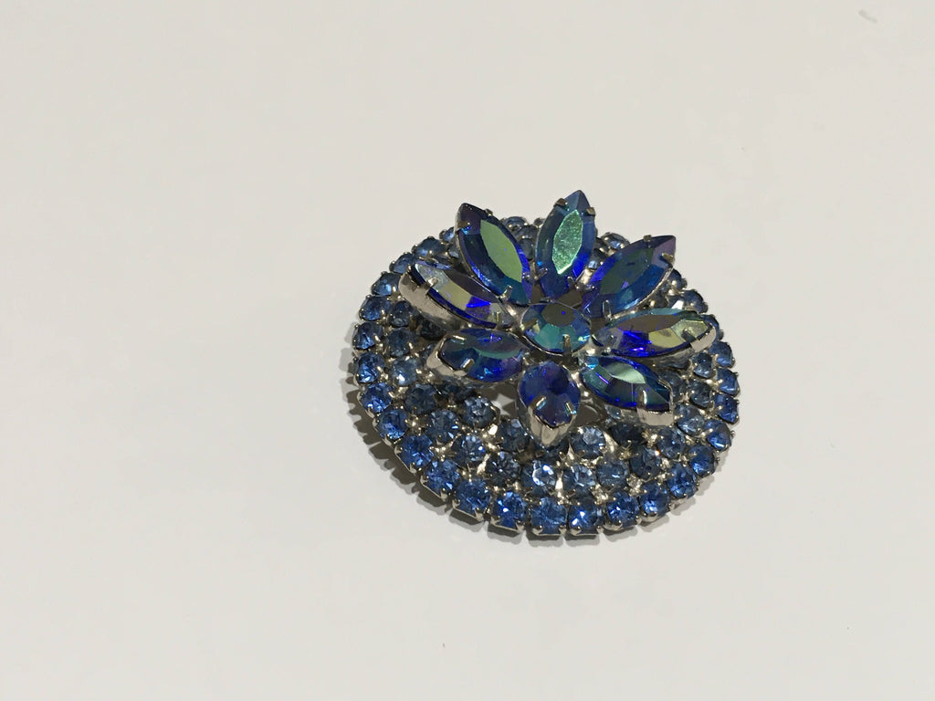 Pin blue rhinestone with center flower