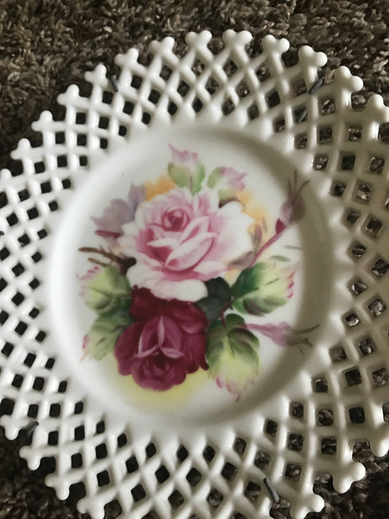 Vintage Lattice Lefton China plate with roses