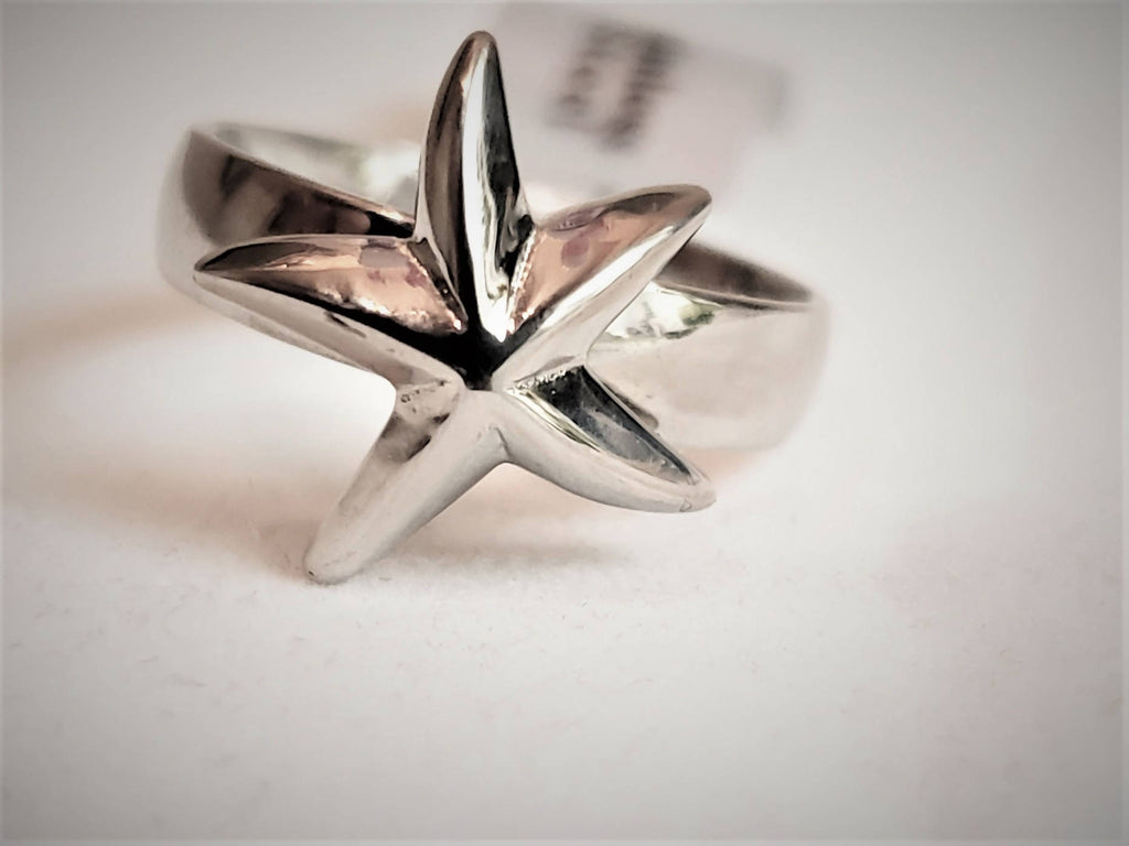 RNG002- Stainless steel ring with starfish