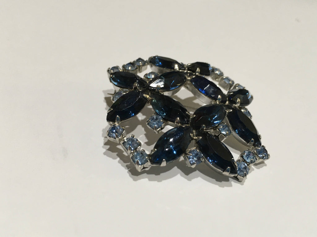 Pin lg. Navey and blue rhinestones