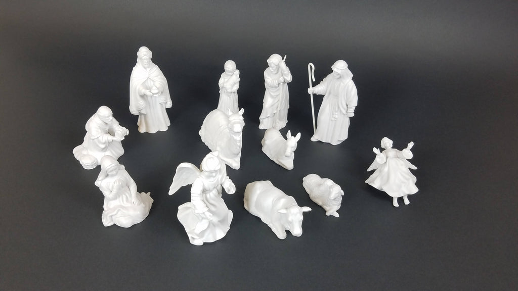 Avon nativity set 11 piece
