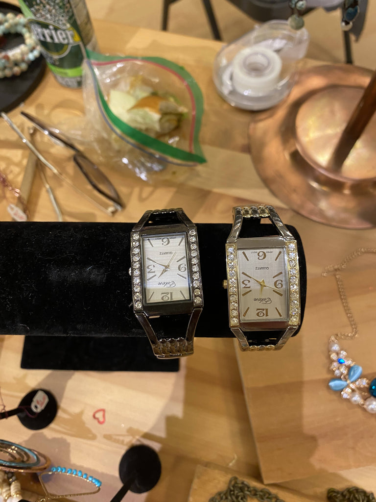 Jewerly /Las Vegas square watch