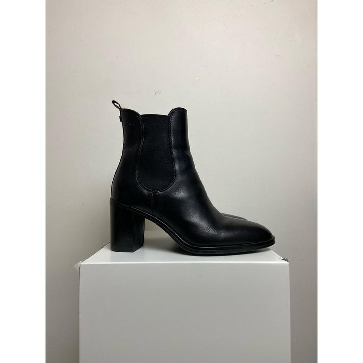 Black Ankle Boots by Dasia