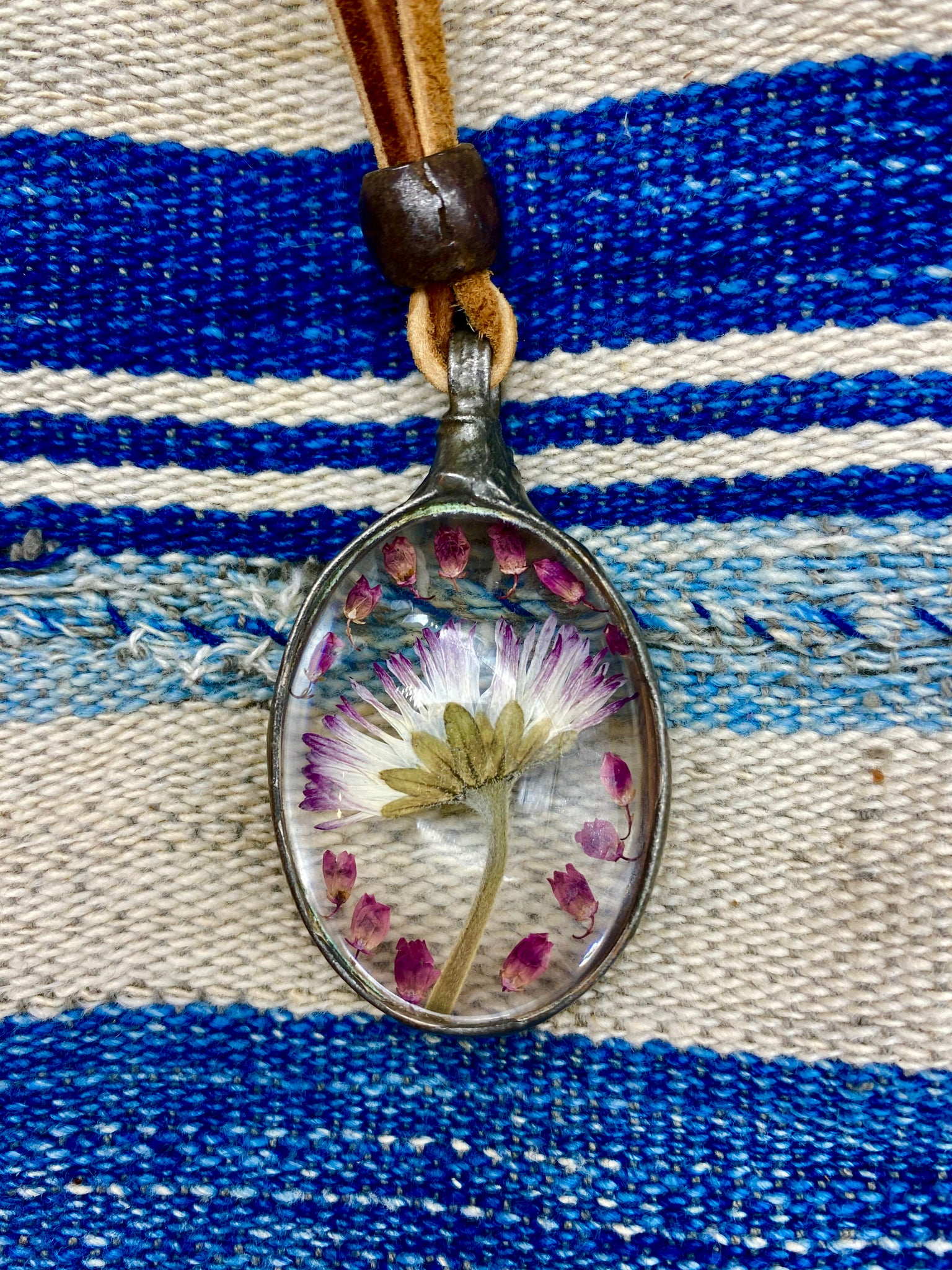 Frozen in Time Daisy Necklace