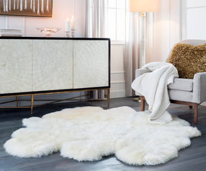 SHEEPSKIN HIDE RUG: WHITE