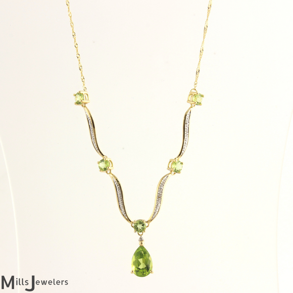 Estate Dainty Peridot Necklace 14k Yellow Gold