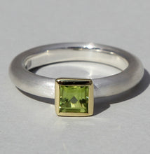 Load image into Gallery viewer, Square Blue Topaz Ring 5mm x 5mm