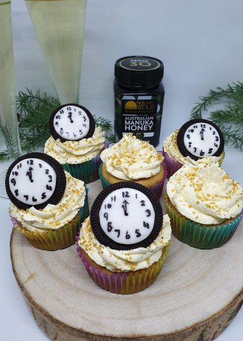 New Year's Eve Manuka Honey Cupcakes with Champagne Buttercream