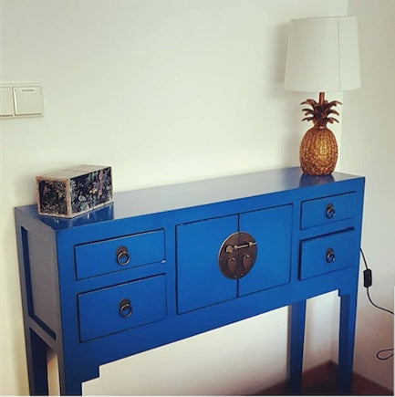 Blue chinese console
