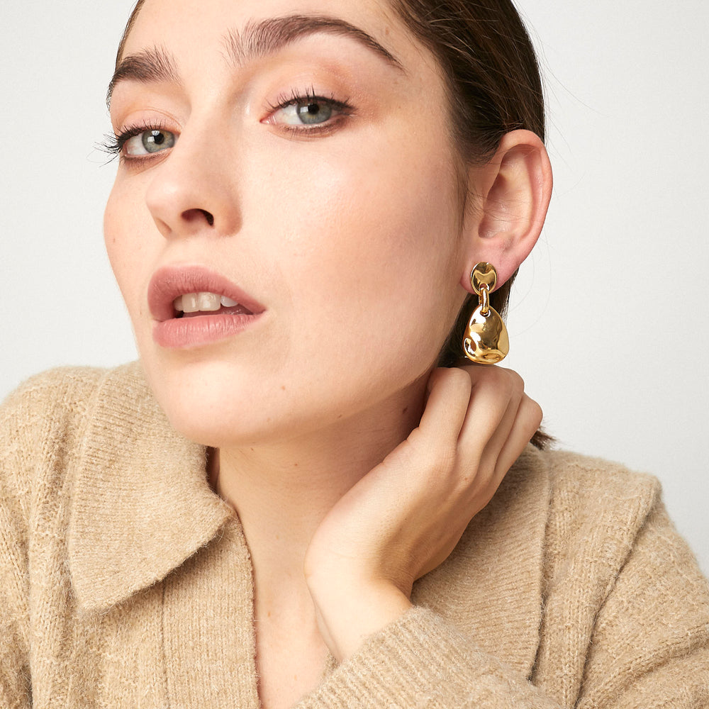 Load image into Gallery viewer, Cira Earrings