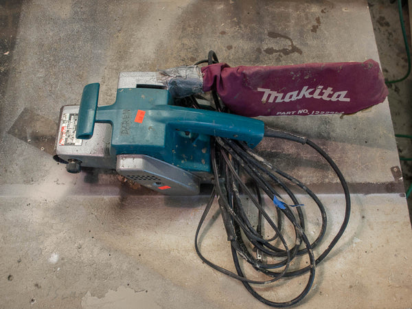 Makita 9924DB Belt Sander - Coast Machinery Group Inc