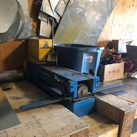 Welder Workhorse 1624 - Coast Machinery Group Inc