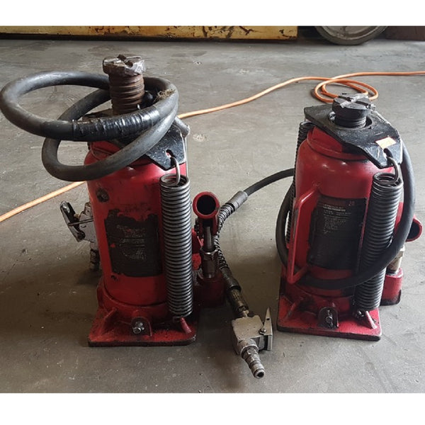 Motomaster Red air assist hydraulic bottle jack