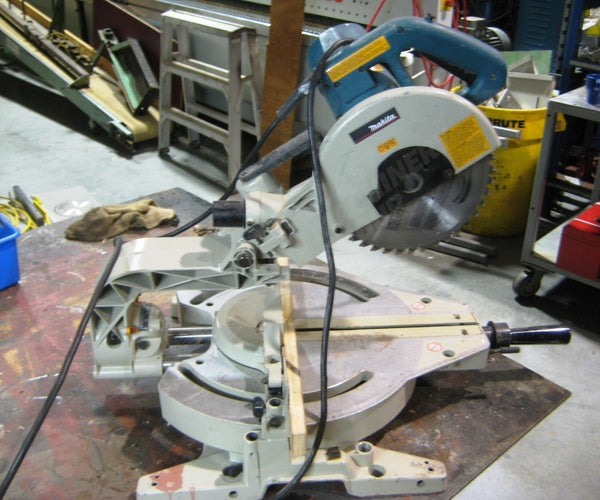 "Makita 10"" Chop Saw - Coast Machinery Group Inc"