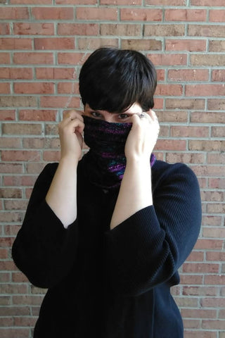 Blacklight Broderie Cowl