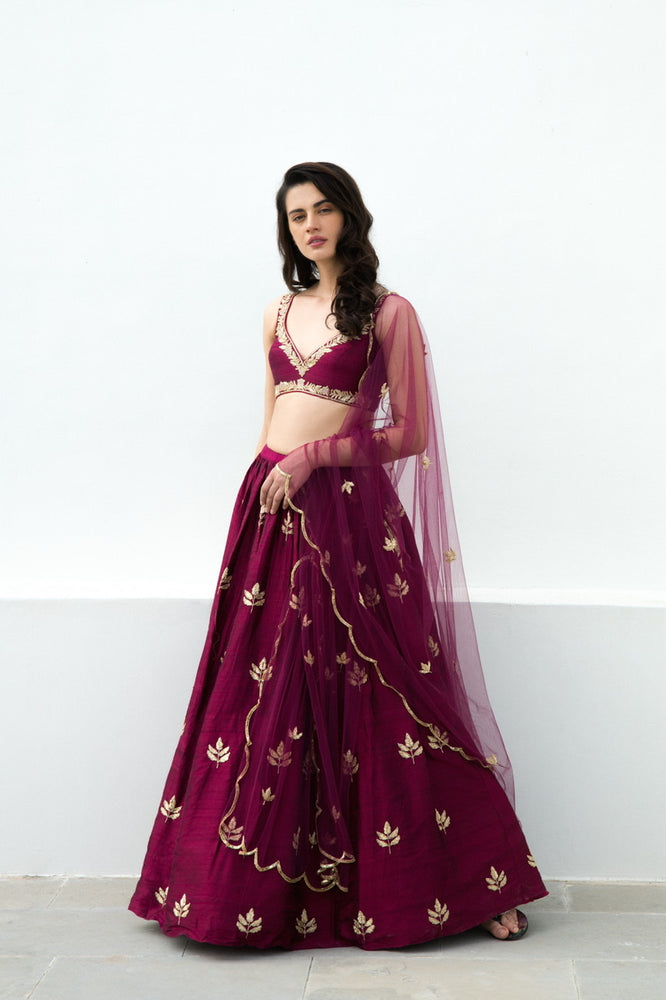Load image into Gallery viewer, MOOR LEHENGA