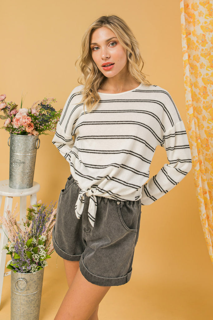 LOOING FOR YOU IVORY KNIT TOP
