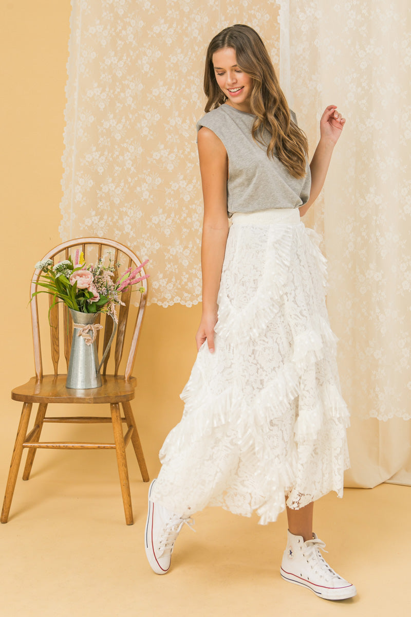 POSH PRESENCE LACE SKIRT