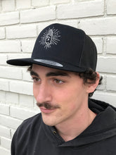 Load image into Gallery viewer, LOGO TRUCKER HAT