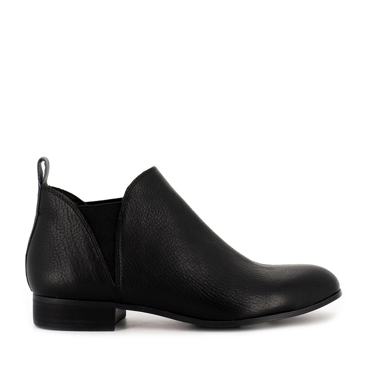 FOE - BLACK LEATHER BLACK HEEL