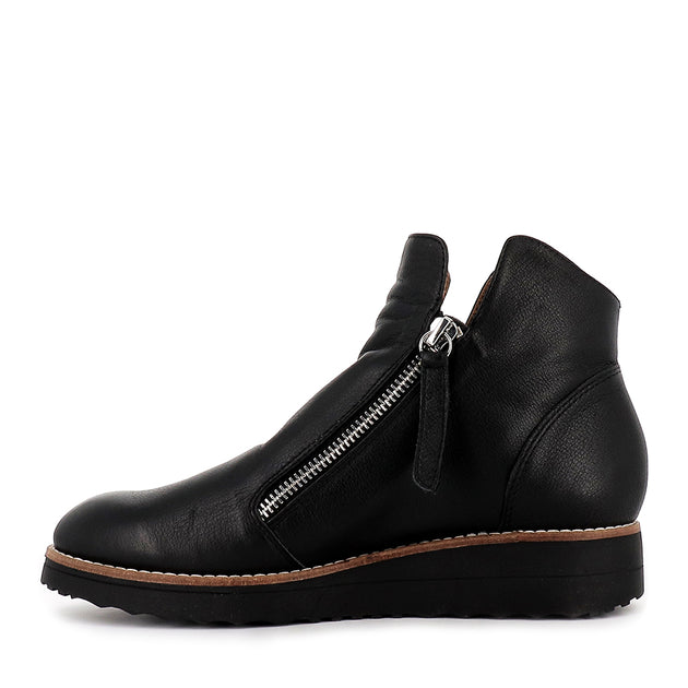 OHMY - BLACK BLACK LEATHER - Evans Shoes
