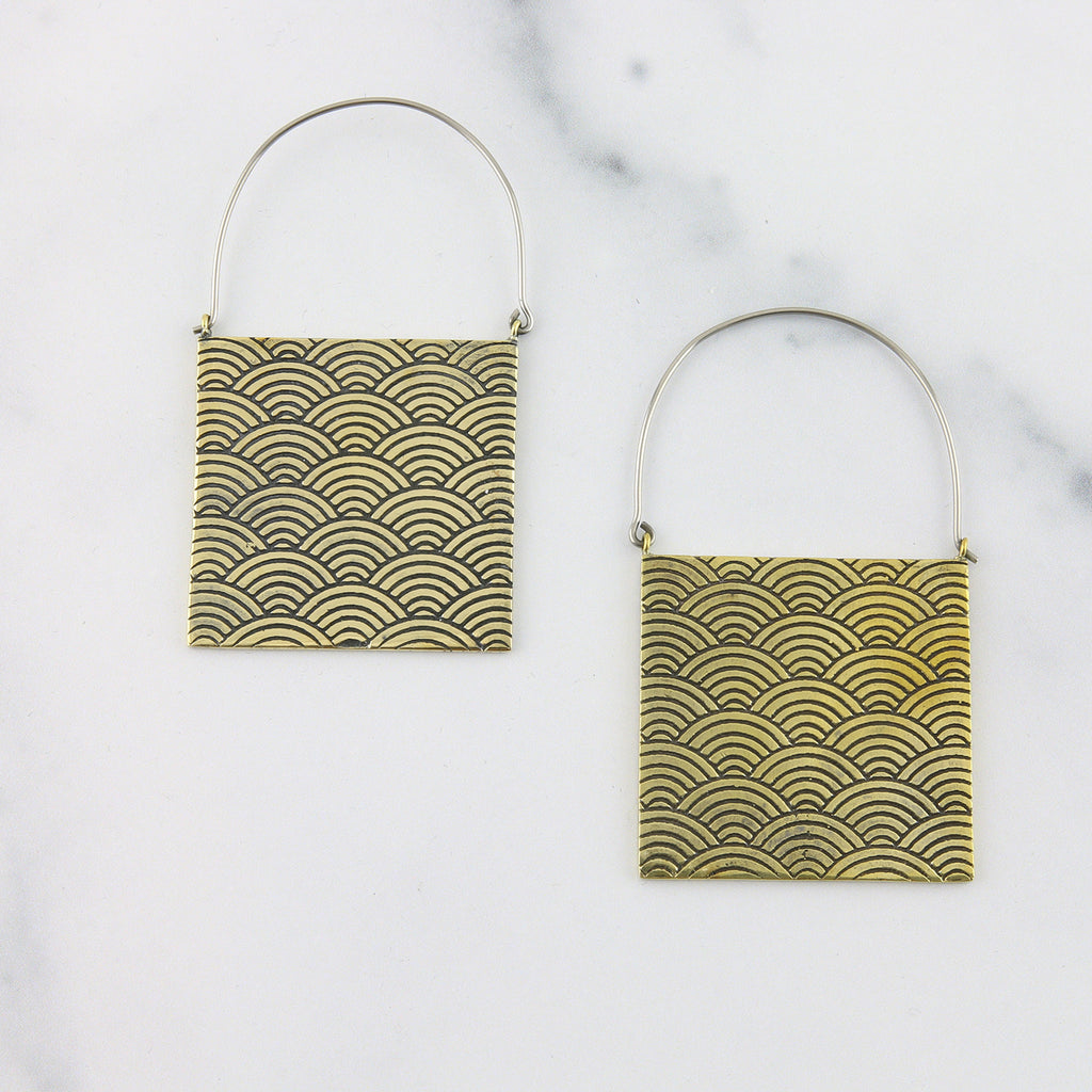 Pulse Crate Titanium Earrings