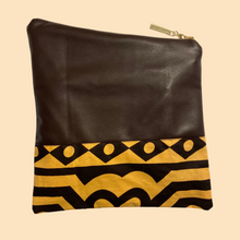 Load image into Gallery viewer, Fold Over Clutch - Brown Samakaka
