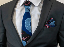 Load image into Gallery viewer, Luxury Men Tie Set in Deep Blue
