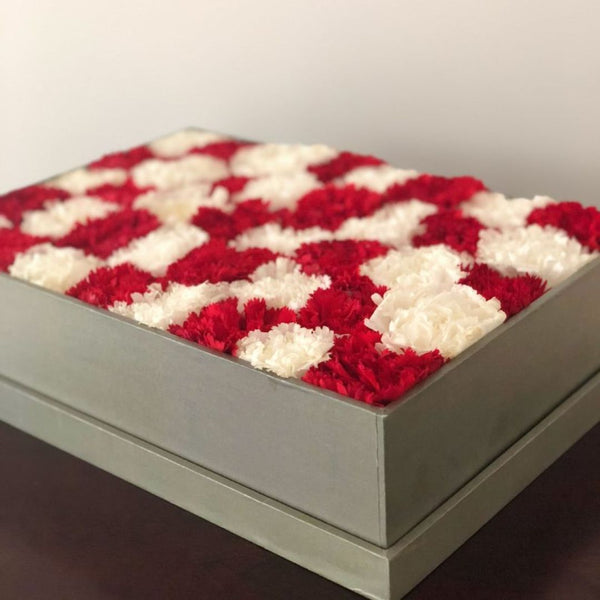 Bed Of Carnations - Classic Grande