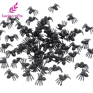 Lucia crafts 50pcs Plastic Fake Black Spiders Trick Toy For Halloween Haunted House Realistic Prop Decorations H0355