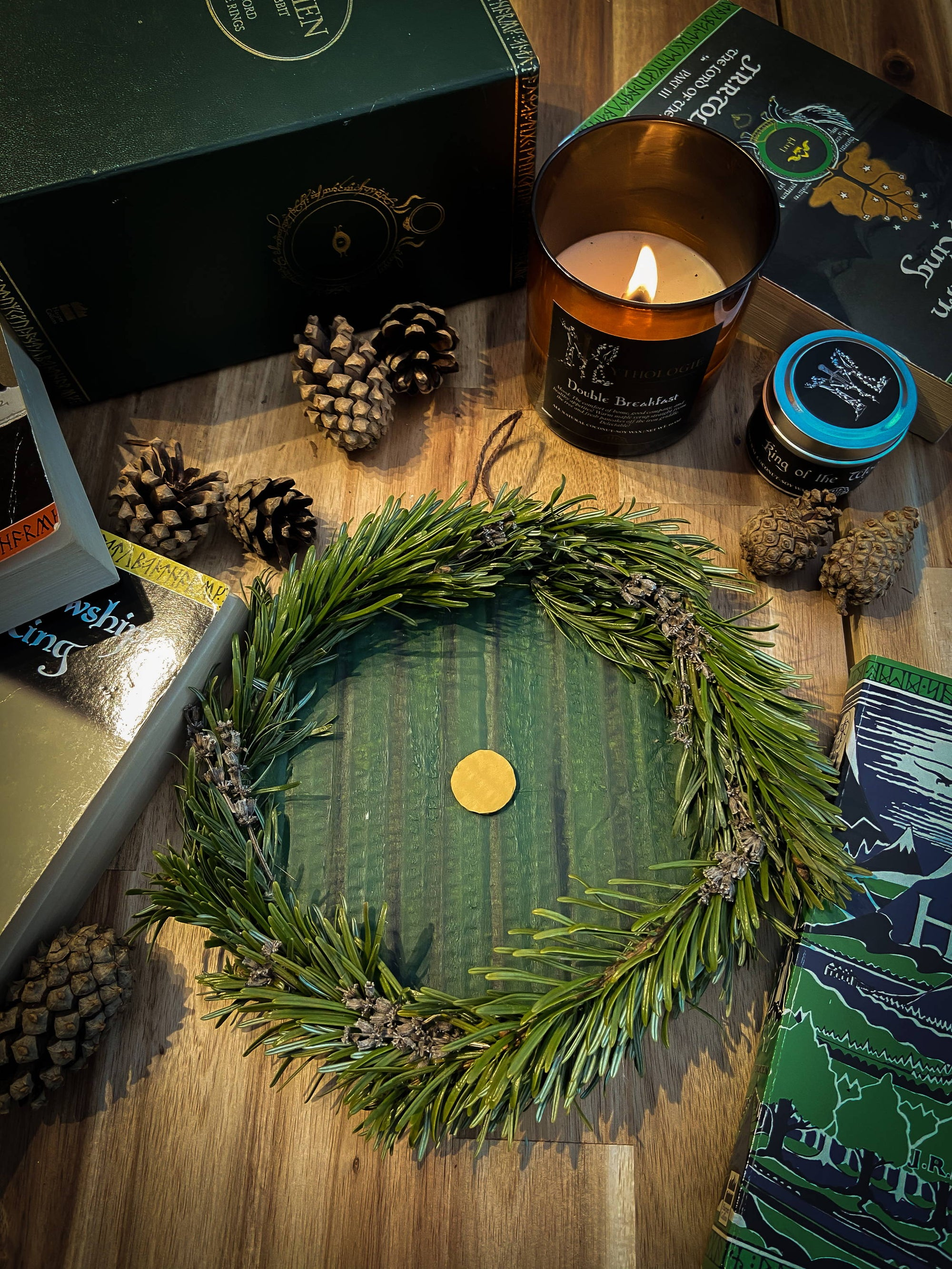 DIY: How to make a Hobbit wreath decoration!