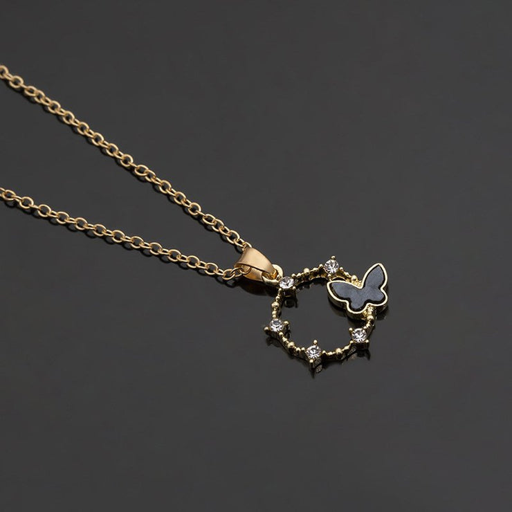 Women's Elegant Necklaces