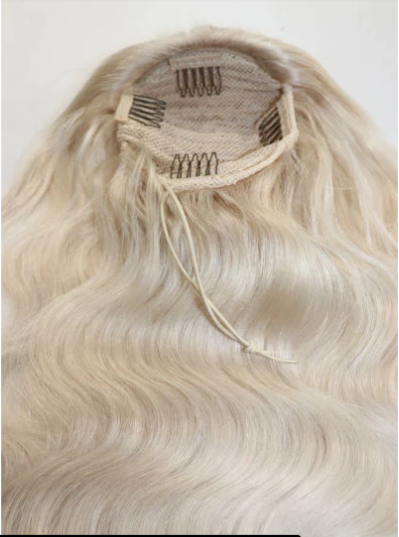 Ponytail Platinum Blonde Wavy (100g)