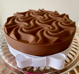 Waves Bonbon Cake