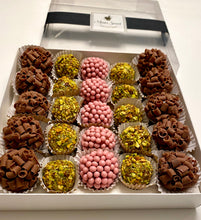 Load image into Gallery viewer, 25 Brigadeiros Gift Box