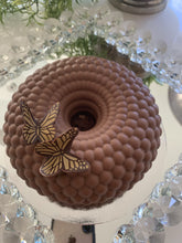 Load image into Gallery viewer, Butterfly Bonbon Cake