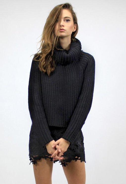 New World Turtleneck Knit - BLACK