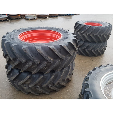 650/65R42 & 600/65R28 Michelin wheels, as-new condition.  Fendt 718-724