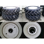520/85R42 & 420/85R30 Firestone wheels, as-new condition.  New Holland T7