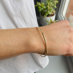9kt Gold Solid Bangle