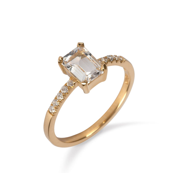 18K Yellow Gold Ring with White Topaz and Diamond