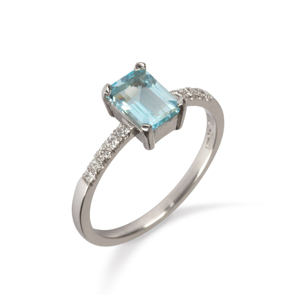 18K White Gold Ring with Blue Topaz and Diamond