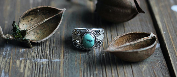 What does a turquoise ring mean - Gthic.com - Blog