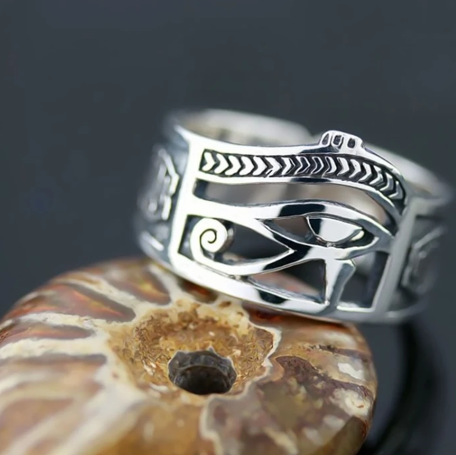 Eye of Horus Ring - Gthic.com - Blog