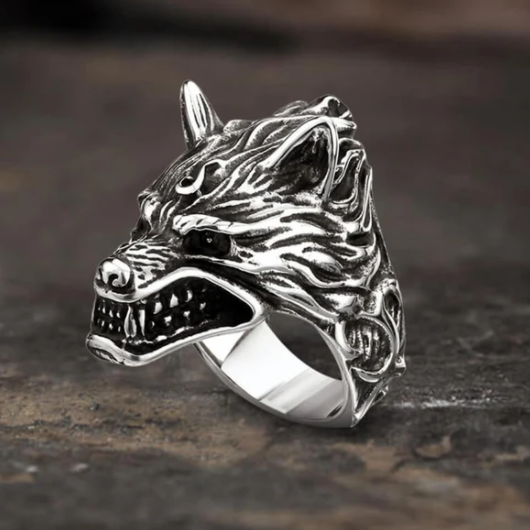 Fierce Wolf Stainless Steel Animal Ring - Gthic.com - Blog