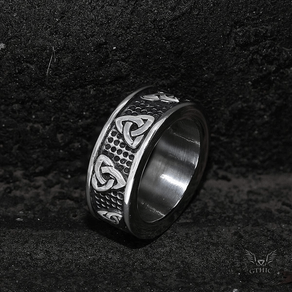 WARRIOR TRIQUETRA STAINLESS STEEL VIKING PINKY RING - Gthic.com - Blog