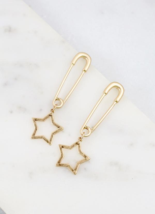 Safety Pin Earring With Star Charm Gold