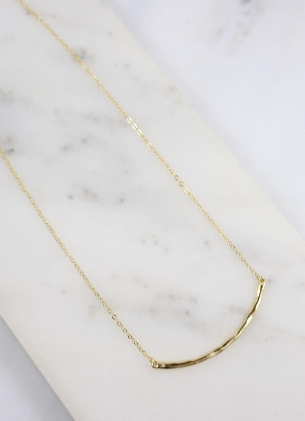 Clooney Curved And Hammered Bar Necklace Gold